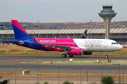 W8_A320_HA-LYQ